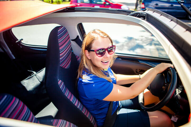4 Ways to Keep Yourself Safe When Driving Alone