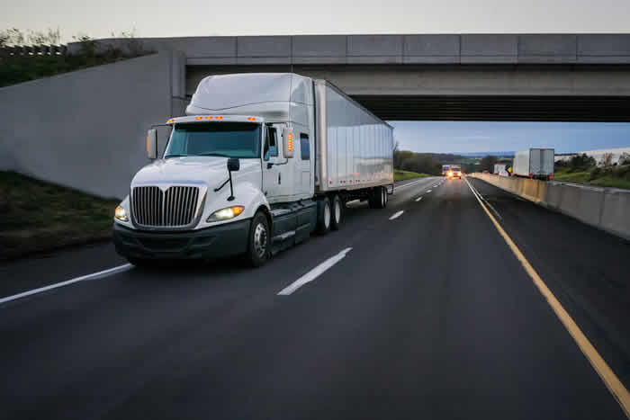 What Should You Do Immediately After a Semi-Truck Accident?